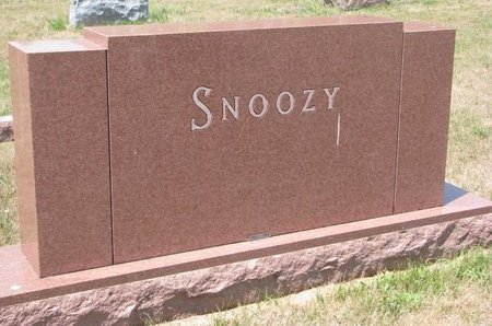 SNOOZY, *FAMILY MONUMENT - Turner County, South Dakota   *FAMILY MONUMENT SNOOZY - South Dakota Gravestone Photos