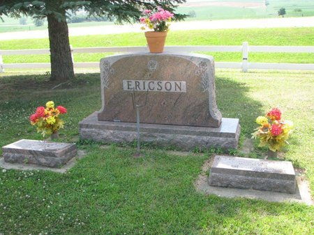 ERICSON, *FAMILY PLOT-EMMA & WILLIAM - Union County, South Dakota   *FAMILY PLOT-EMMA & WILLIAM ERICSON - South Dakota Gravestone Photos