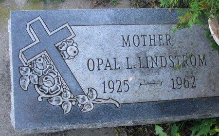 LINDSTROM, OPAL LORRAINE - Union County, South Dakota | OPAL LORRAINE LINDSTROM - South Dakota Gravestone Photos