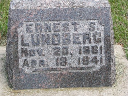 LUNDBERG, ERNEST S. - Union County, South Dakota   ERNEST S. LUNDBERG - South Dakota Gravestone Photos
