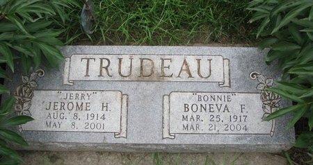 "TRUDEAU, BONEVA F. ""BONNIE"" - Union County, South Dakota   BONEVA F. ""BONNIE"" TRUDEAU - South Dakota Gravestone Photos"