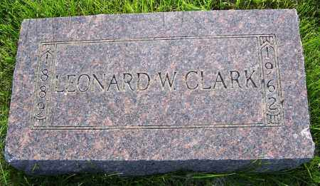 CLARK, LEONARD W - Walworth County, South Dakota | LEONARD W CLARK - South Dakota Gravestone Photos