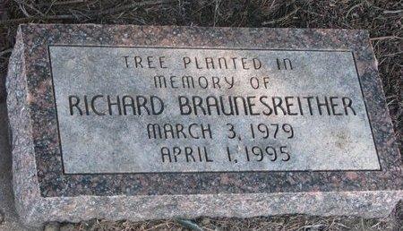 BRAUNESREITHER, RICHARD (TREE MEMORIAL) - Yankton County, South Dakota   RICHARD (TREE MEMORIAL) BRAUNESREITHER - South Dakota Gravestone Photos