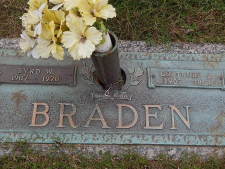 BRADEN, GERTRUDE A - Anderson County, Tennessee | GERTRUDE A BRADEN - Tennessee Gravestone Photos