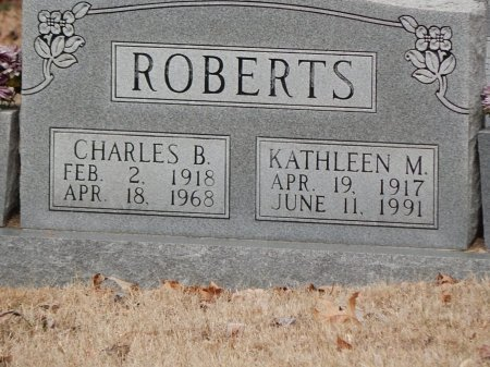 ROBERTS, KATHLEEN M - Anderson County, Tennessee | KATHLEEN M ROBERTS - Tennessee Gravestone Photos