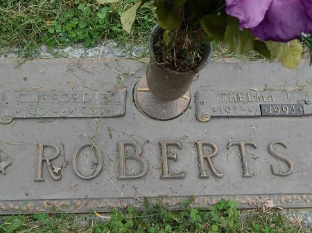 ROBERTS, THELMA J - Anderson County, Tennessee | THELMA J ROBERTS - Tennessee Gravestone Photos