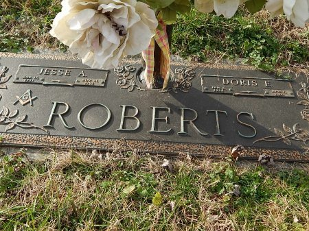 ROBERTS, DORIS E - Anderson County, Tennessee | DORIS E ROBERTS - Tennessee Gravestone Photos
