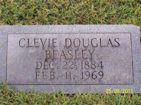 DOUGLAS BEASLEY, CLEVIE - Cheatham County, Tennessee   CLEVIE DOUGLAS BEASLEY - Tennessee Gravestone Photos