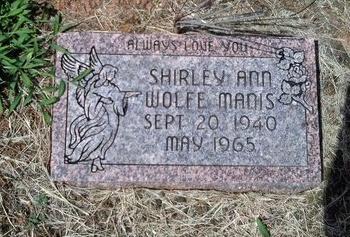 WOLFE MANIS, SHIRLEY ANN - Hancock County, Tennessee   SHIRLEY ANN WOLFE MANIS - Tennessee Gravestone Photos
