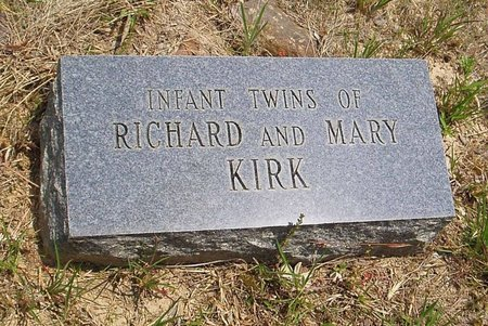 KIRK, INFANT TWINS - McNairy County, Tennessee   INFANT TWINS KIRK - Tennessee Gravestone Photos