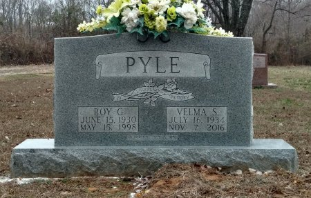 PYLE, ROY C. - Montgomery County, Tennessee   ROY C. PYLE - Tennessee Gravestone Photos
