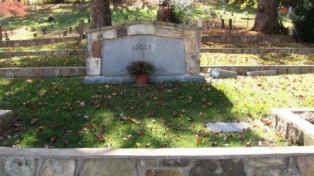 OGLE, FAMILY PLOT - Sevier County, Tennessee | FAMILY PLOT OGLE - Tennessee Gravestone Photos