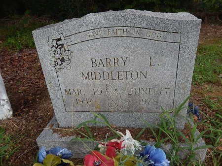 MIDDLETON, BARRY L - Shelby County, Tennessee | BARRY L MIDDLETON - Tennessee Gravestone Photos