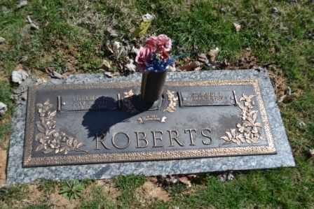 ROBERTS, THELMA L - Sullivan County, Tennessee | THELMA L ROBERTS - Tennessee Gravestone Photos