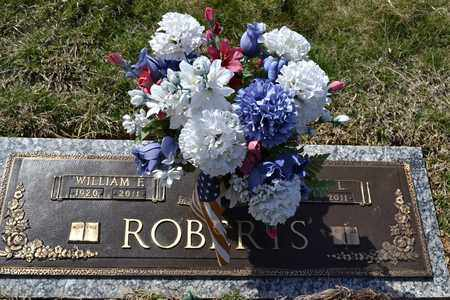 ROBERTS, WILLIAM F - Sullivan County, Tennessee | WILLIAM F ROBERTS - Tennessee Gravestone Photos