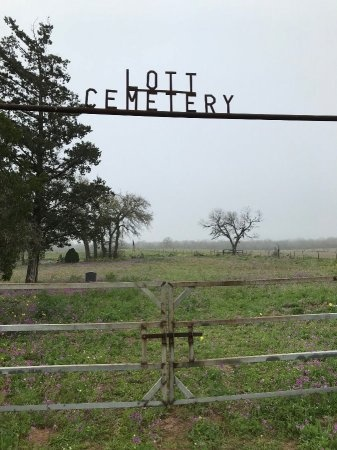 *LOTT ENTRANCE,  - Atascosa County, Texas |  *LOTT ENTRANCE - Texas Gravestone Photos