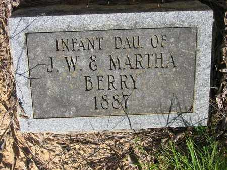 BERRY, INFANT DAUGHTER - Bowie County, Texas | INFANT DAUGHTER BERRY - Texas Gravestone Photos