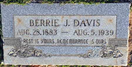 DAVIS, BERTIE J - Bowie County, Texas | BERTIE J DAVIS - Texas Gravestone Photos
