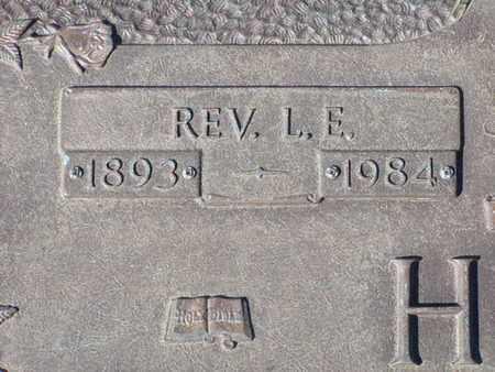 HOLT, L E (CLOSEUP) - Bowie County, Texas | L E (CLOSEUP) HOLT - Texas Gravestone Photos