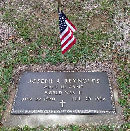 REYNOLDS (VETERAN WWII), JOSEPH A - Fannin County, Texas | JOSEPH A REYNOLDS (VETERAN WWII) - Texas Gravestone Photos