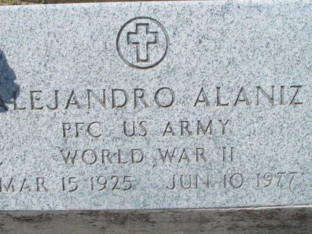 ALANIZ (VETERAN WWII), ALEJANDRO - Hidalgo County, Texas | ALEJANDRO ALANIZ (VETERAN WWII) - Texas Gravestone Photos