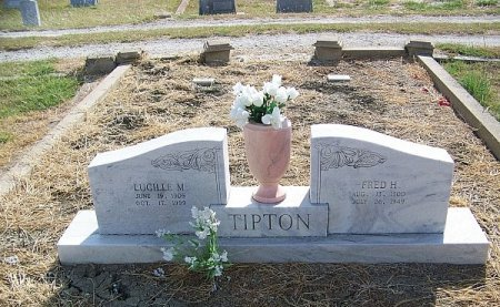 BROOKS TIPTON, LUCILLE M - Hill County, Texas | LUCILLE M BROOKS TIPTON - Texas Gravestone Photos