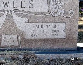 MEADOR BOWLES, LAURENA M (CLOSEUP) - Johnson County, Texas | LAURENA M (CLOSEUP) MEADOR BOWLES - Texas Gravestone Photos