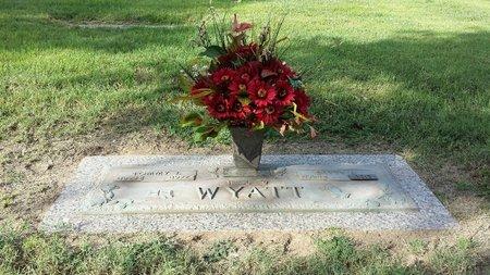 WOOD WYATT, BETTY JEAN - Tom Green County, Texas | BETTY JEAN WOOD WYATT - Texas Gravestone Photos