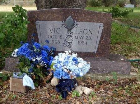 LEON, VIC - Uvalde County, Texas | VIC LEON - Texas Gravestone Photos