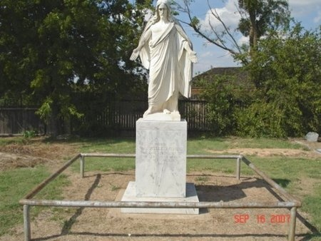 STATUE OF CHRIST,  - Young County, Texas |  STATUE OF CHRIST - Texas Gravestone Photos