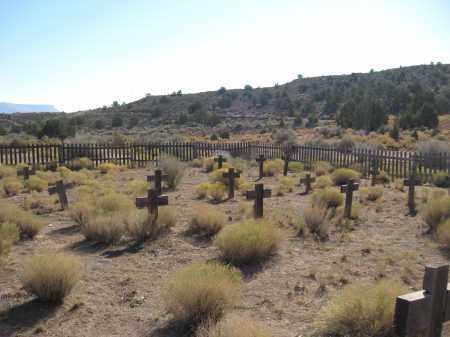 UNMARKED REBAR AND, WOODEN CROSSES - Washington County, Utah | WOODEN CROSSES UNMARKED REBAR AND - Utah Gravestone Photos