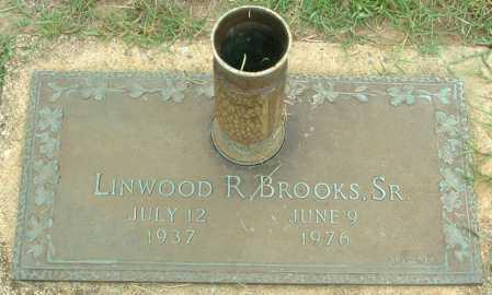 BROOKS, LINWOOD R - Hanover County, Virginia | LINWOOD R BROOKS - Virginia Gravestone Photos