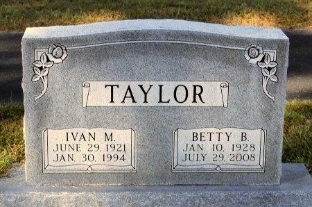 TAYLOR, BETTY B. - Lancaster County, Virginia | BETTY B. TAYLOR - Virginia Gravestone Photos
