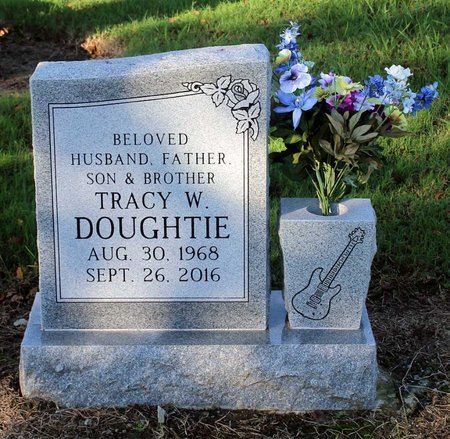DOUGHTIE, TRACY W. - Norfolk (City of) County, Virginia | TRACY W. DOUGHTIE - Virginia Gravestone Photos