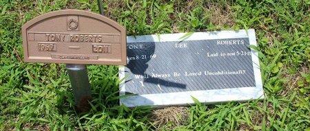 ROBERTS, TONY LEE - Poquoson (City of) County, Virginia | TONY LEE ROBERTS - Virginia Gravestone Photos