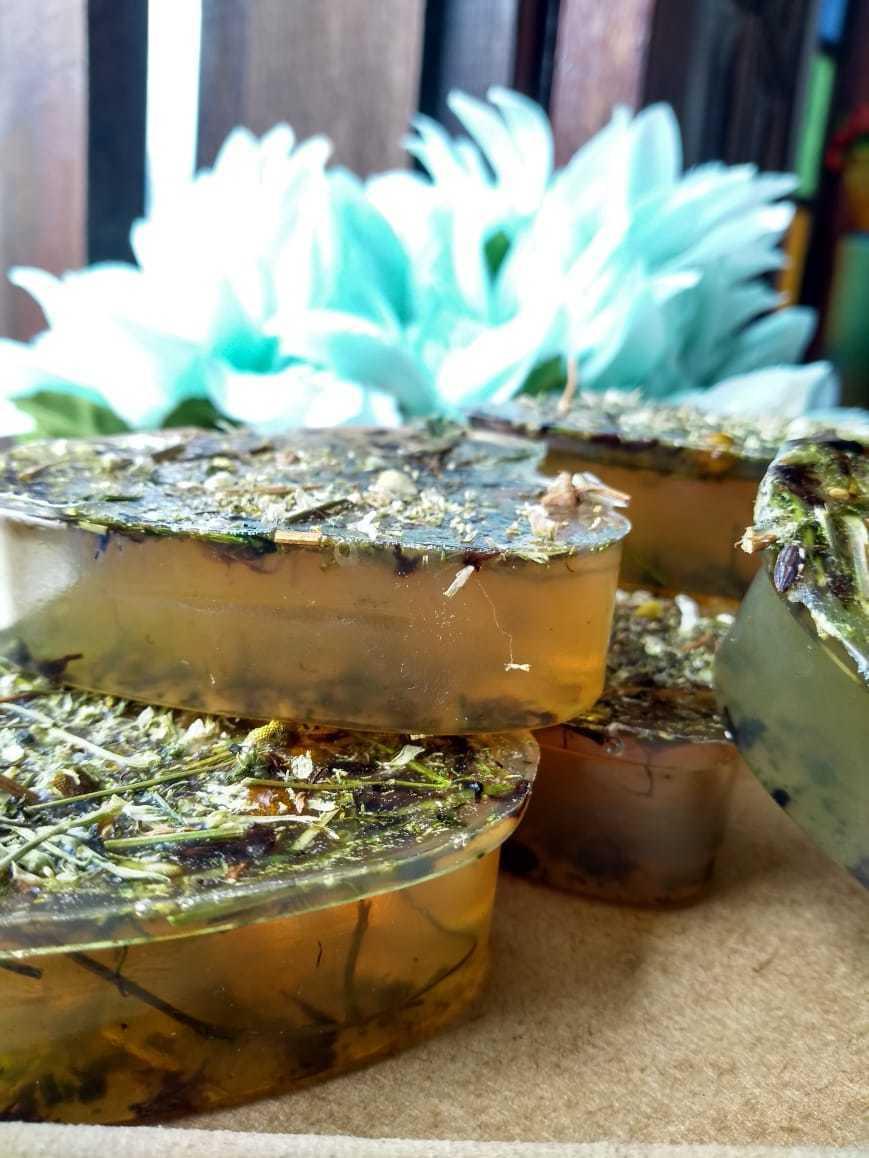 Sabonete Fitoterápico e Fitoenergético de Artemisia, Camomila e Alfazema