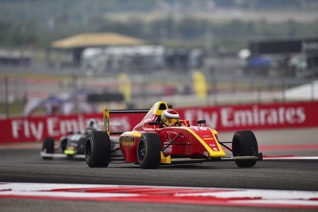 F4 race car