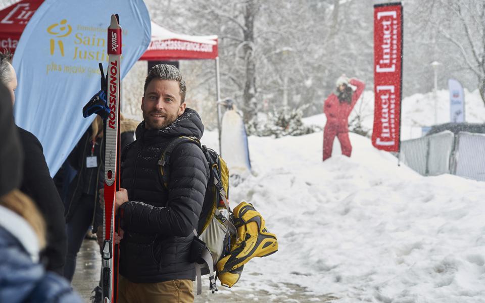 Triathlon Dhiver Skieur Partenaire Presentateur Intact
