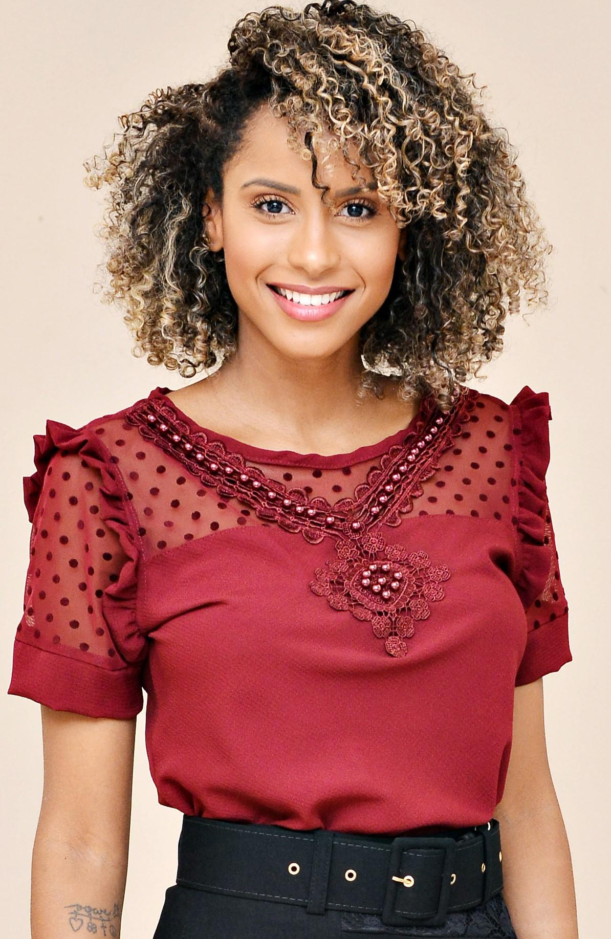 blusa com pedraria  - Elegance