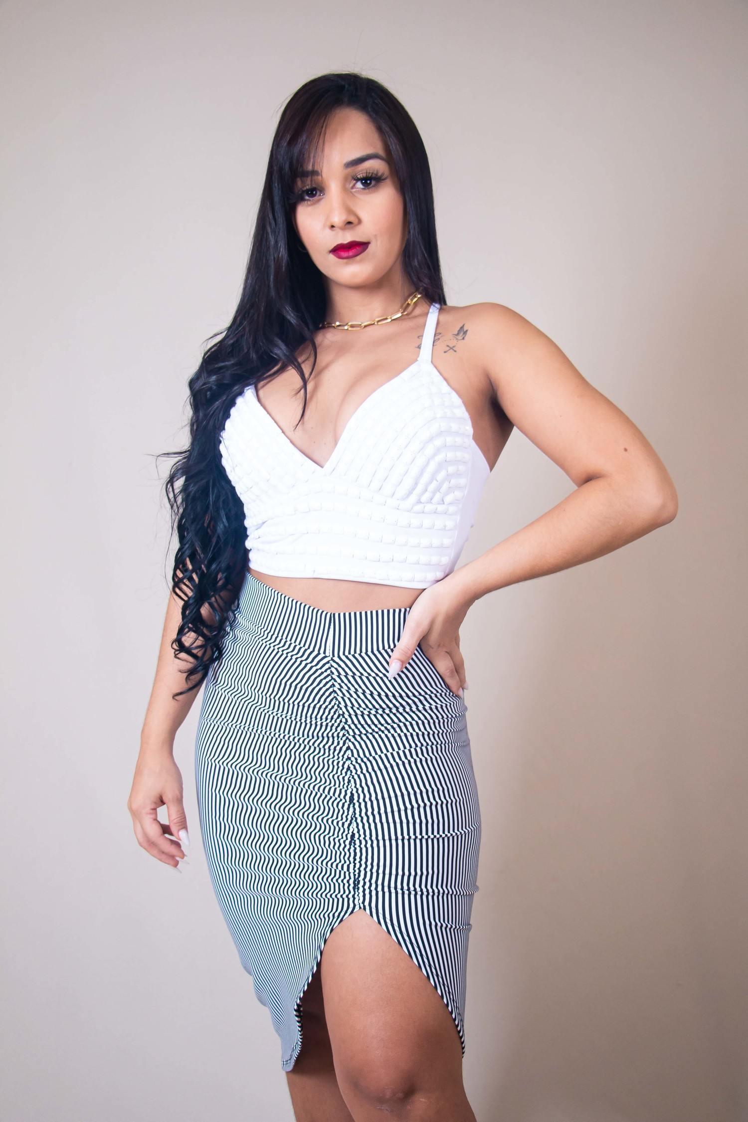Blusa Cropped Branca Amarração com Pedraria Kallyman Conceito Modas