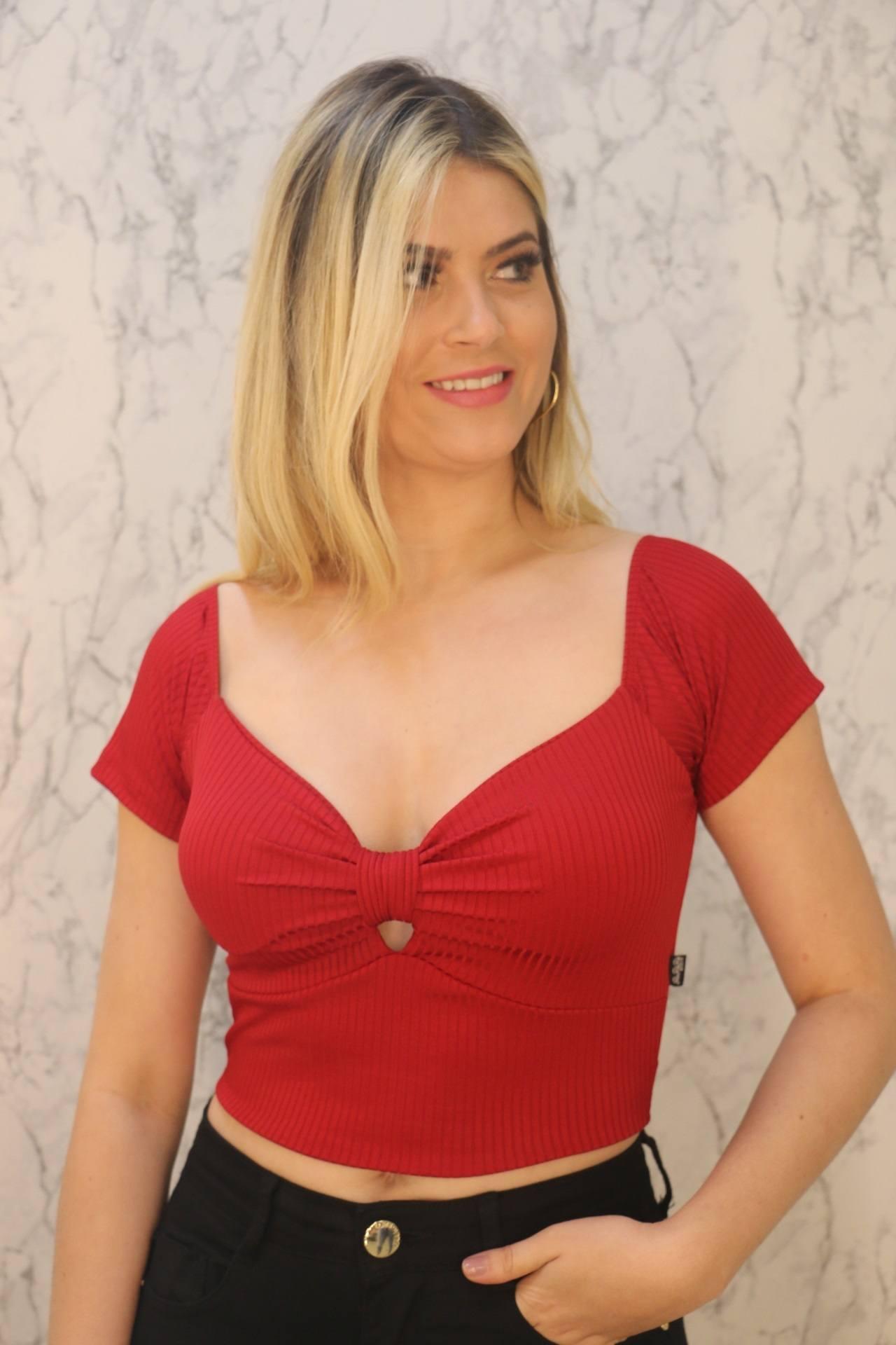 Blusa Cropped Vermelho Malha Canelada Rarêrê
