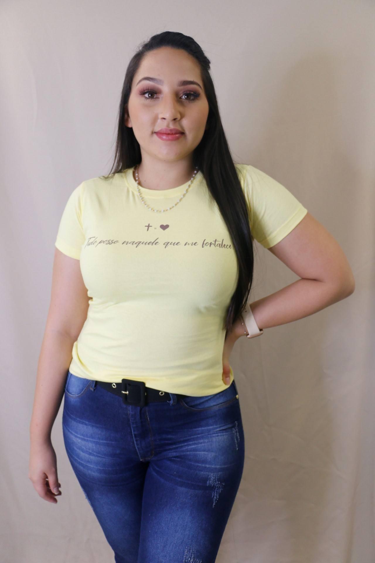 Blusa T-Shirt Amarela Frase Tudo Posso Trielas