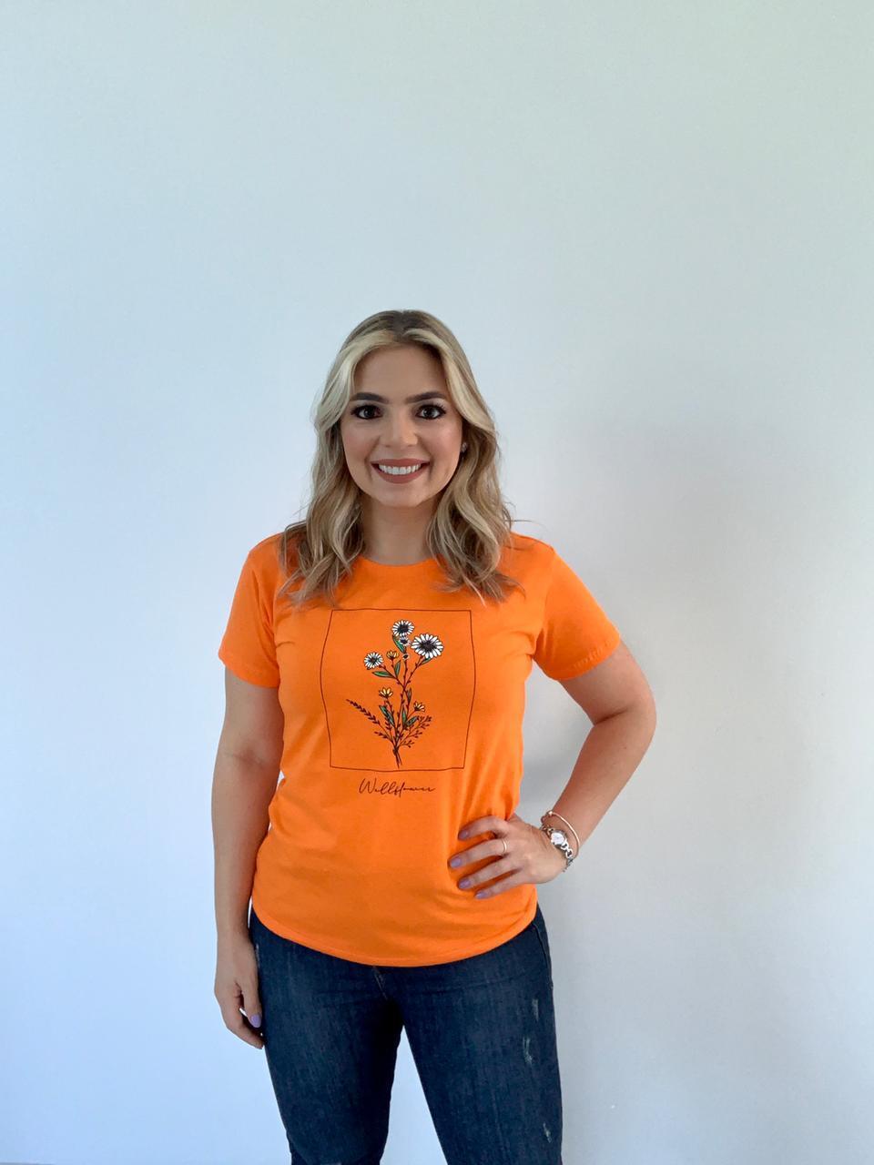Blusa T-Shirt Laranja Estampa Flores Phelps