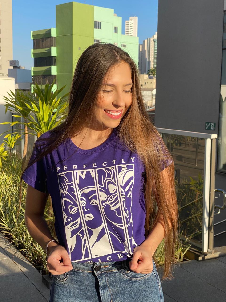 Blusa T-Shirt Roxa Estampa Perfectly Florê