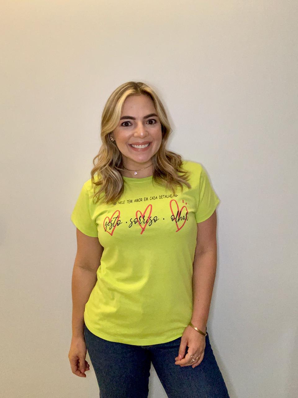 Blusa T-Shirt Verde Limão Estampa Cada Detalhe Phelps