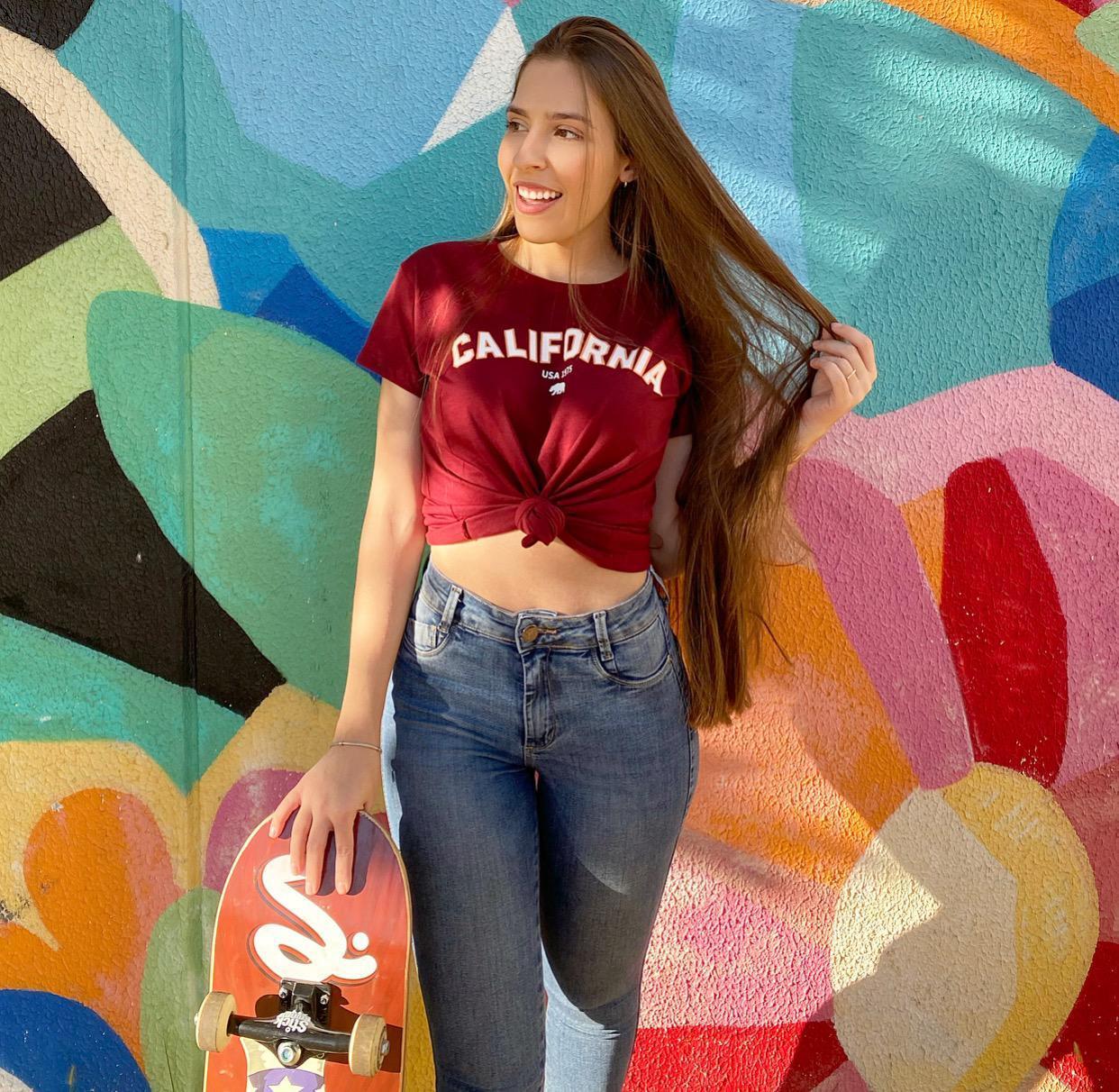 Blusa T-Shirt Vinho Estampa California Florê