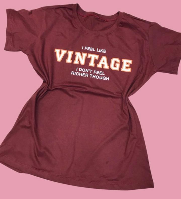 Blusa T-Shirt Vinho Estampa Vintage Florê
