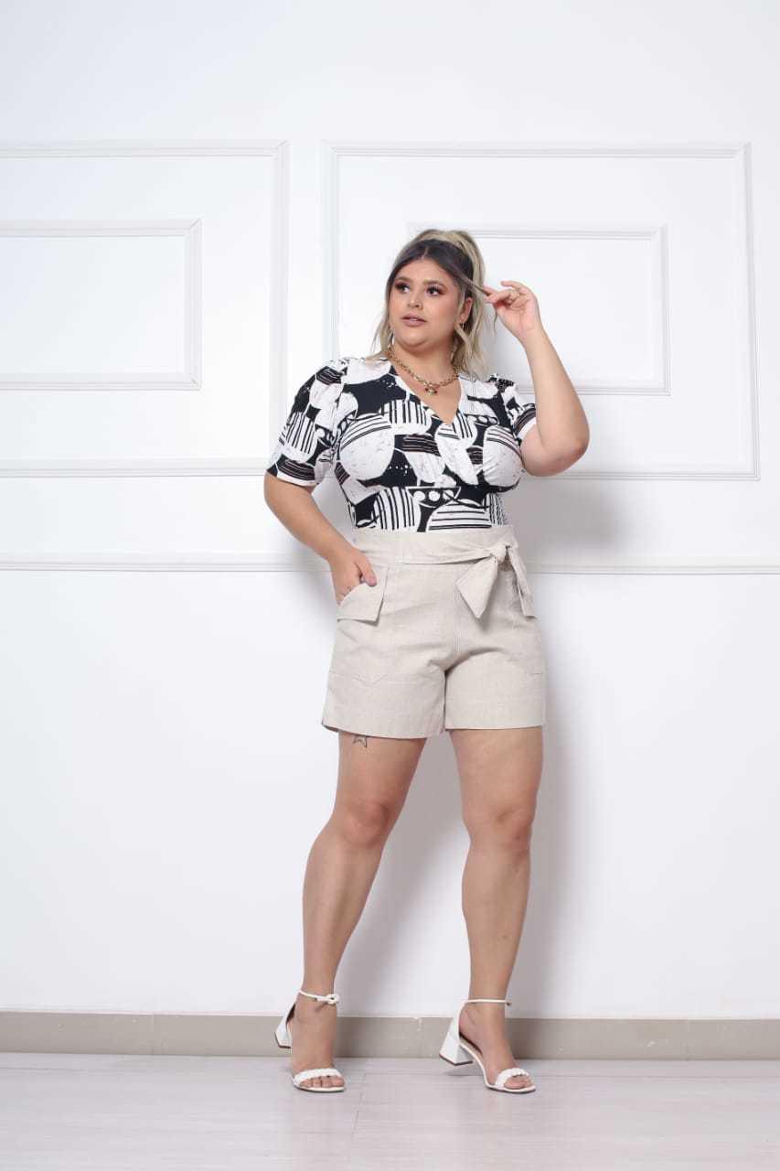 body - Laissa Abreu