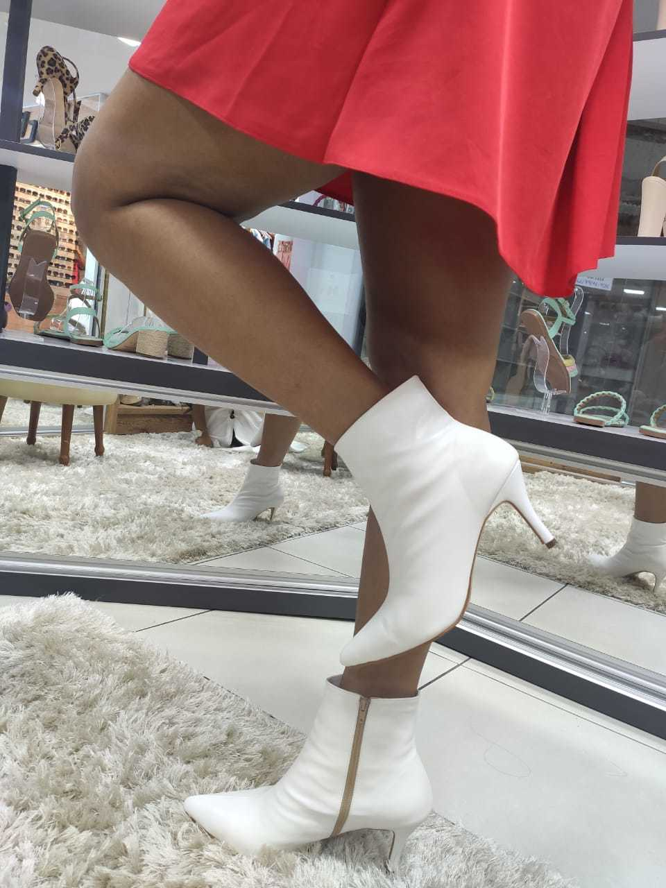 Bota Branca Bico Folha Eva Lopes Shoes