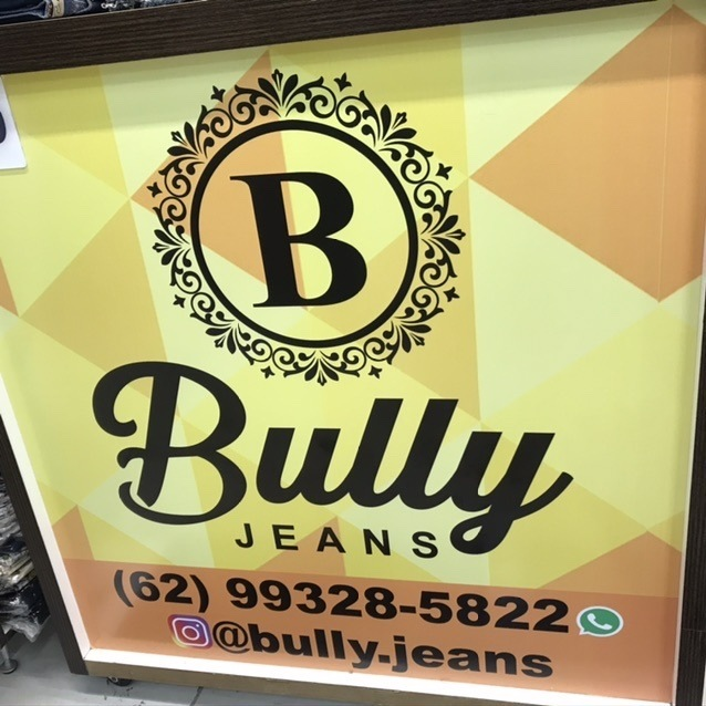 BULLY JEANS